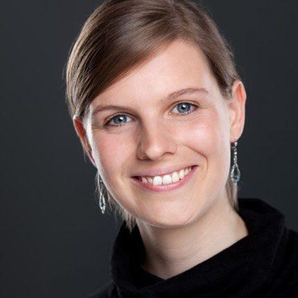 Porträt Esther-Anne Adrian